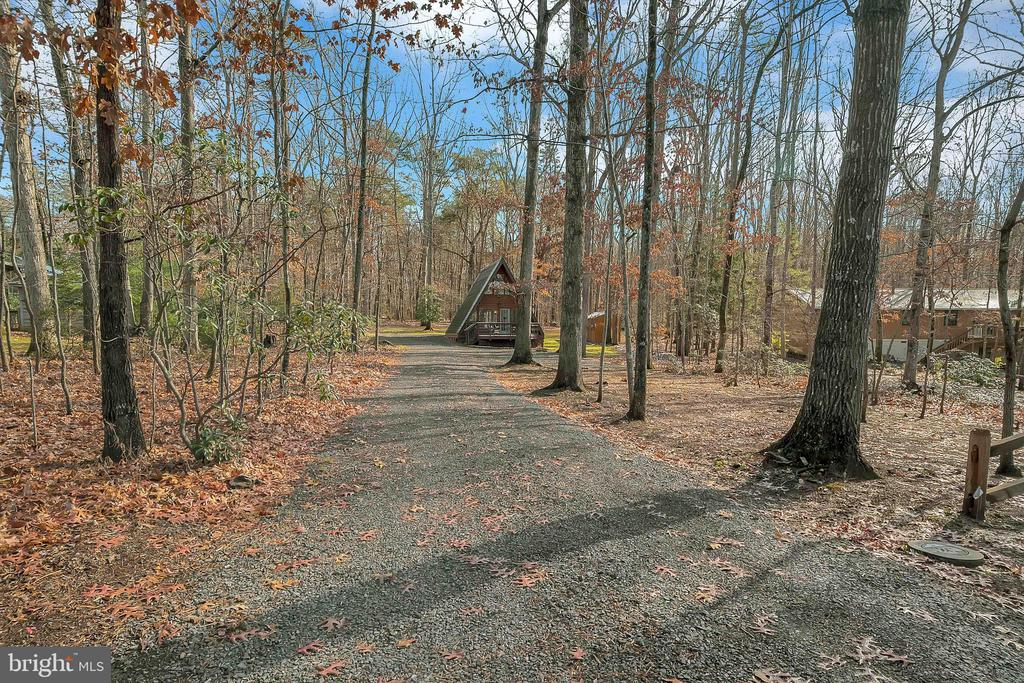 long private drive in - 224 CREEKSIDE DR, LOCUST GROVE