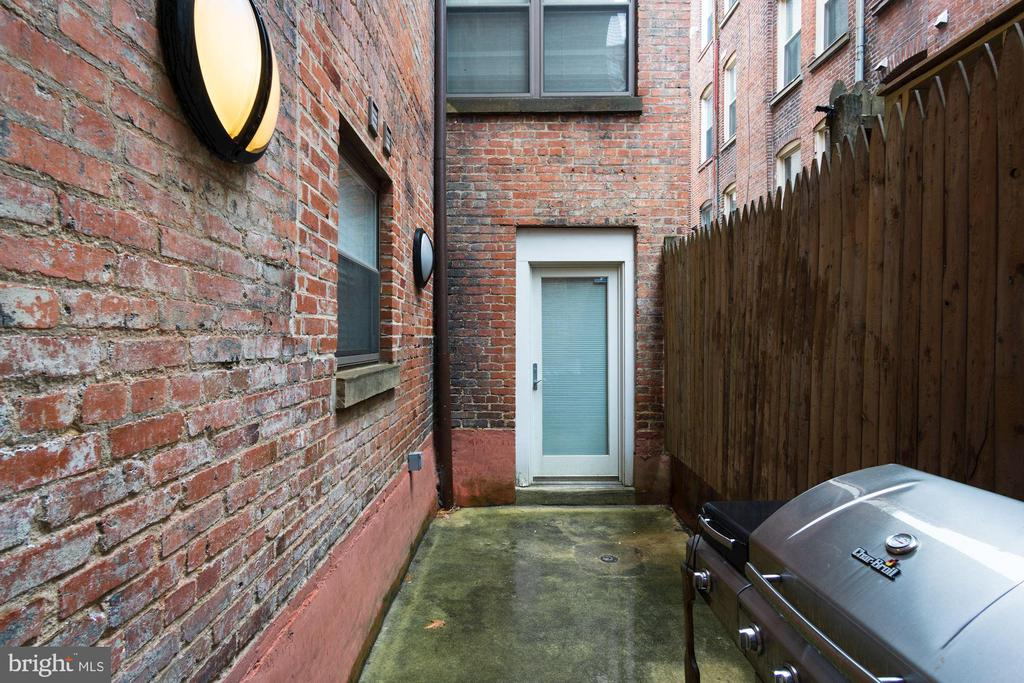 Private Outside Patio - 1632 S ST NW #1, WASHINGTON