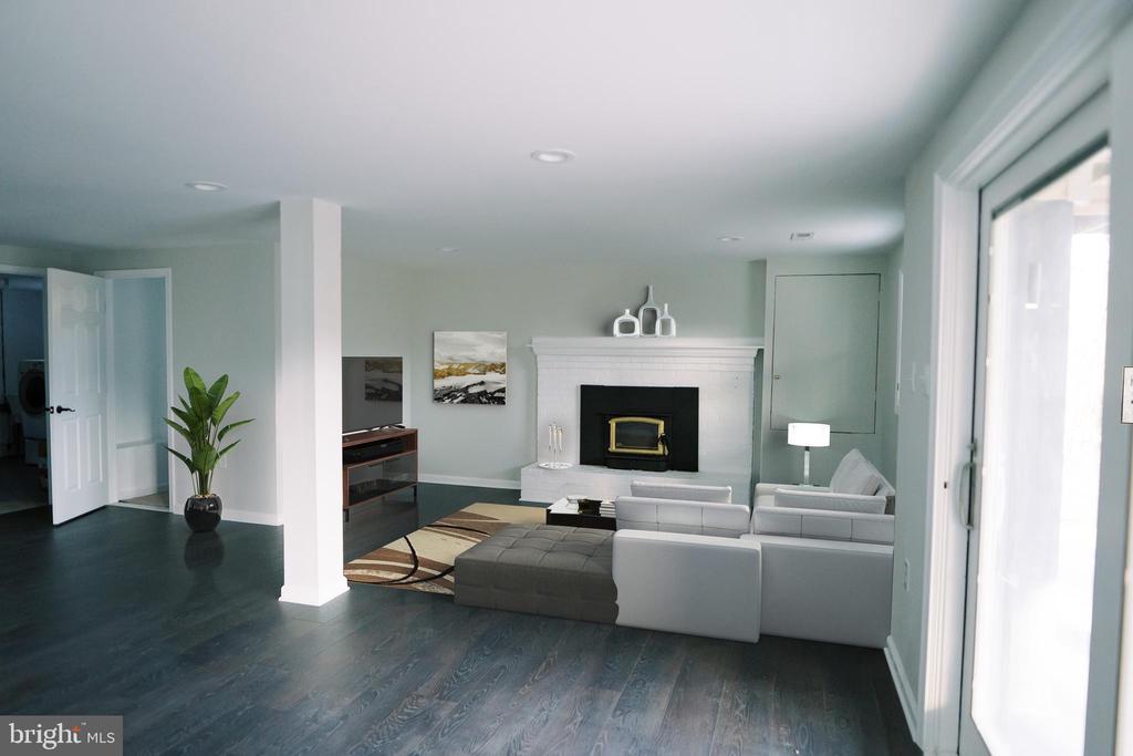 Virtual rendering of LL Family Room - 39006 LIME KILN RD, LEESBURG
