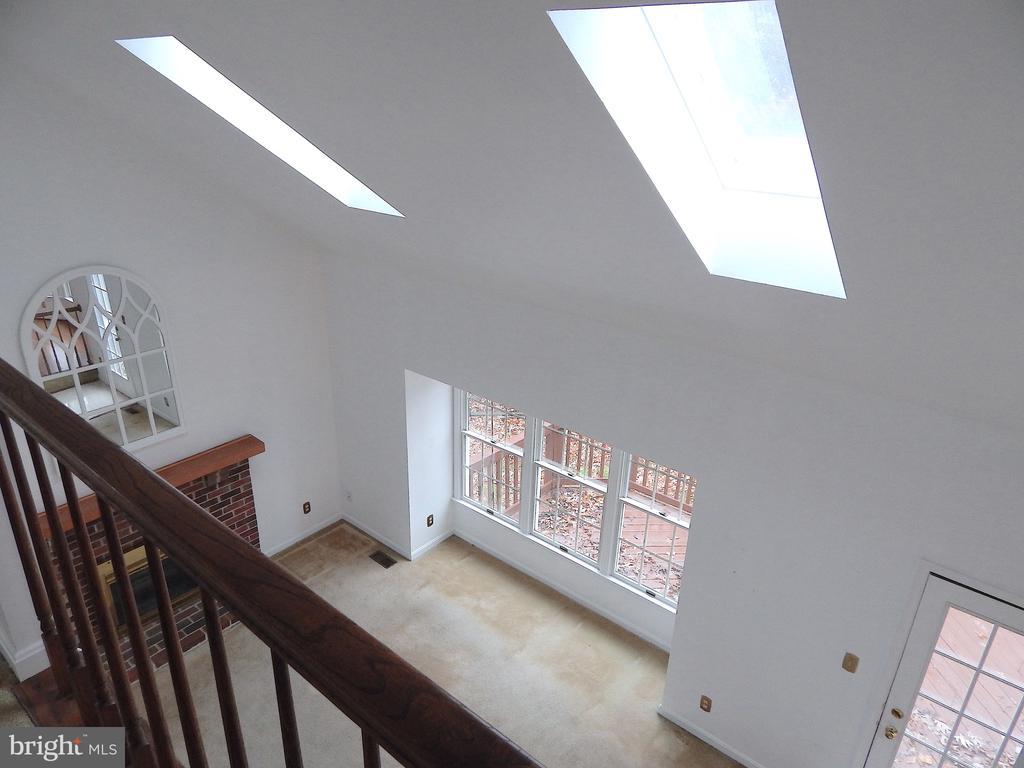 Loft overlooking family room - 6205 PROSPECT ST, FREDERICKSBURG