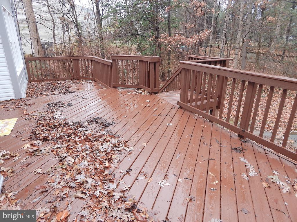 2-tiered deck, accessed from family room - 6205 PROSPECT ST, FREDERICKSBURG