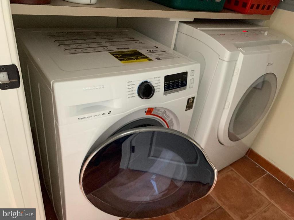 Front Loading Laundry Appliances - 1324 FAIRMONT ST NW #B, WASHINGTON