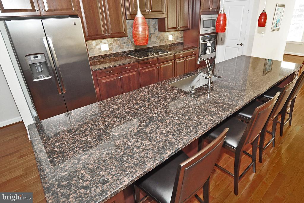 Granite Counters - 22426 PHILANTHROPIC DR, ASHBURN