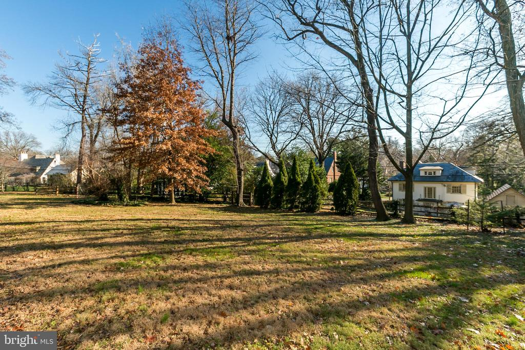 Spacious double lot - 3707 GREENWAY, BALTIMORE