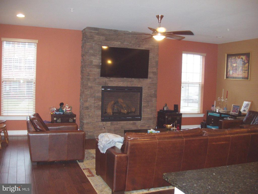 GREAT ROOM  WITH HARDWOOD FLOORS OFF KITCHEN - 13501 WINDY MEADOW LN, SILVER SPRING