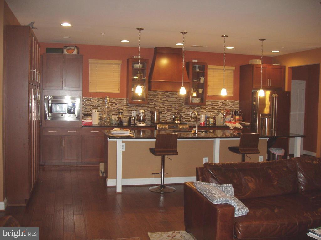 FULLY EQUIPPED GOURMET KITCHEN  W/STAINLESS STEEL - 13501 WINDY MEADOW LN, SILVER SPRING