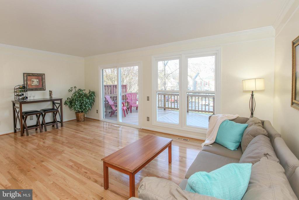 Main Level Features Hardwood Flooring - 43869 LABURNUM SQ, ASHBURN