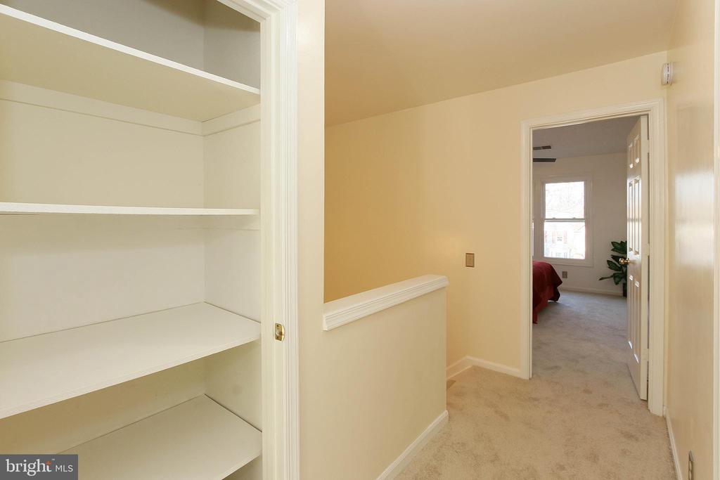 Generous Sized Linen Closet - 43869 LABURNUM SQ, ASHBURN