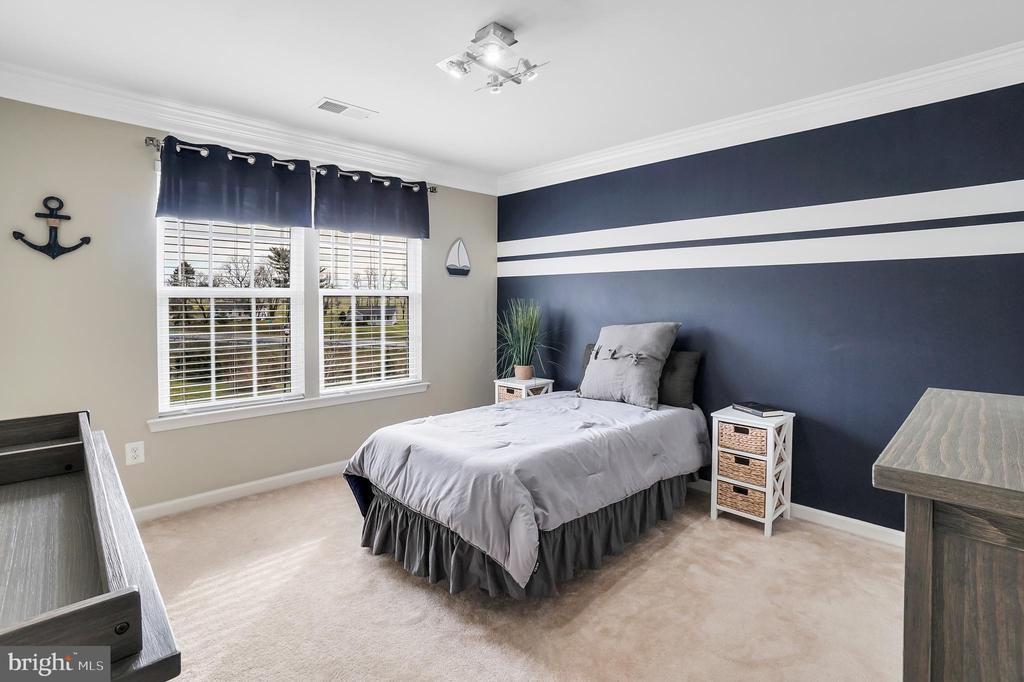 3rd upper-level bedroom - 9865 NOTTING HILL DR, FREDERICK