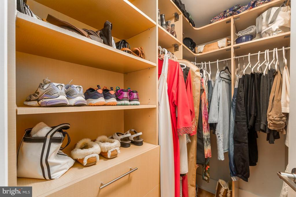 2 Master Walk in Closets. - 601 N FAIRFAX ST #304, ALEXANDRIA