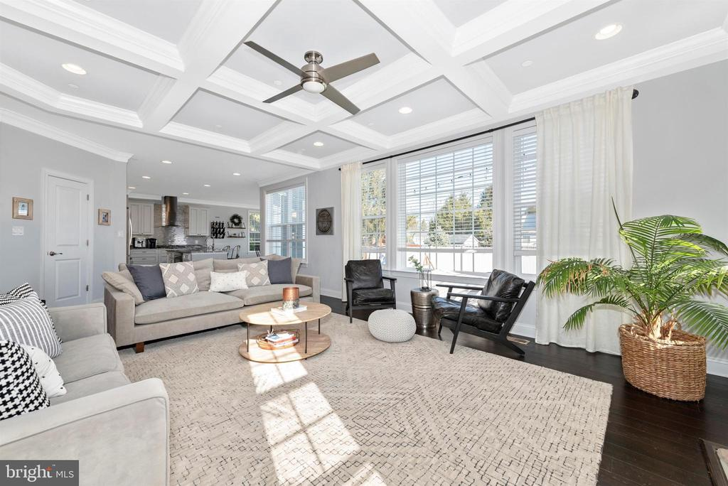 Admire the beautiful coffered ceilings - 7937 YELLOW SPRINGS RD, FREDERICK