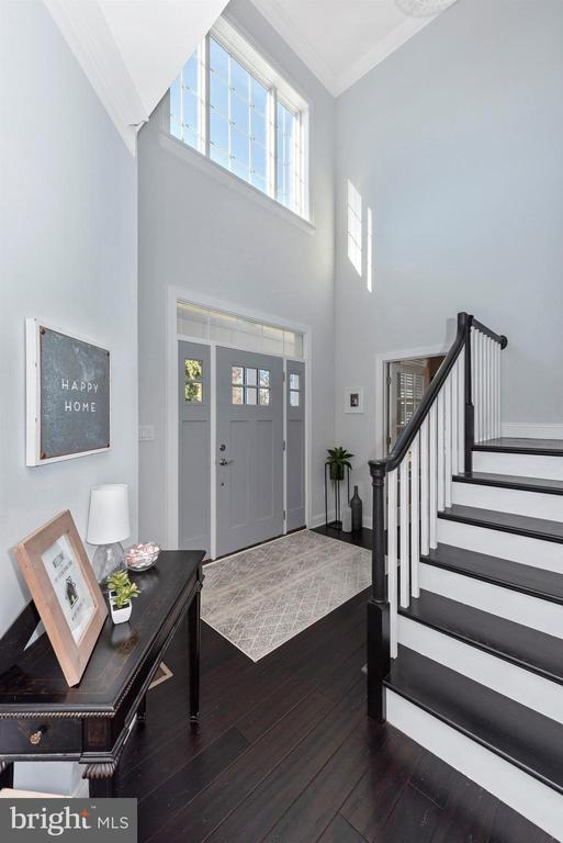 Two story, well lit, foyer. - 7937 YELLOW SPRINGS RD, FREDERICK