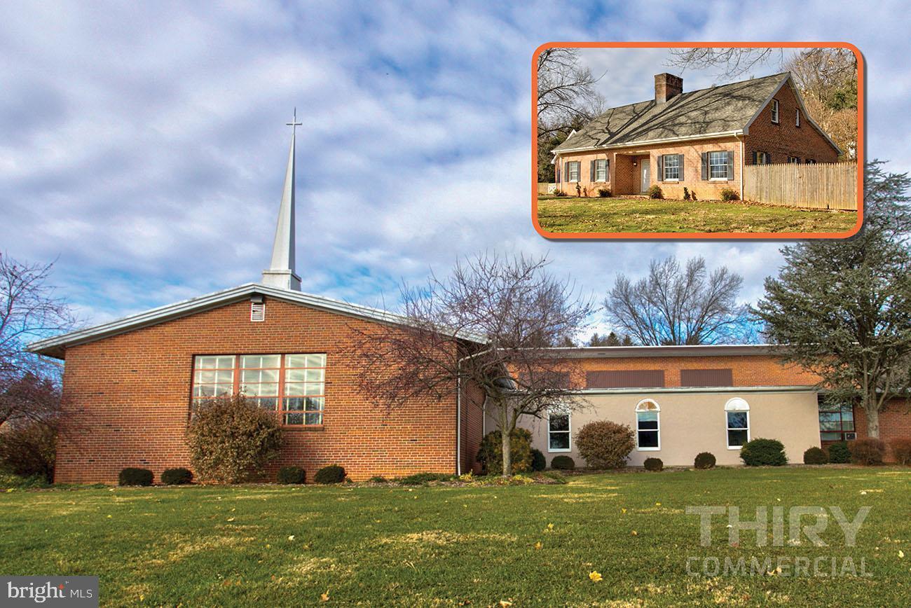 Single Family Homes για την Πώληση στο 4 & 8 W COLEBROOK Street Manheim, Πενσιλβανια 17545 Ηνωμένες Πολιτείες