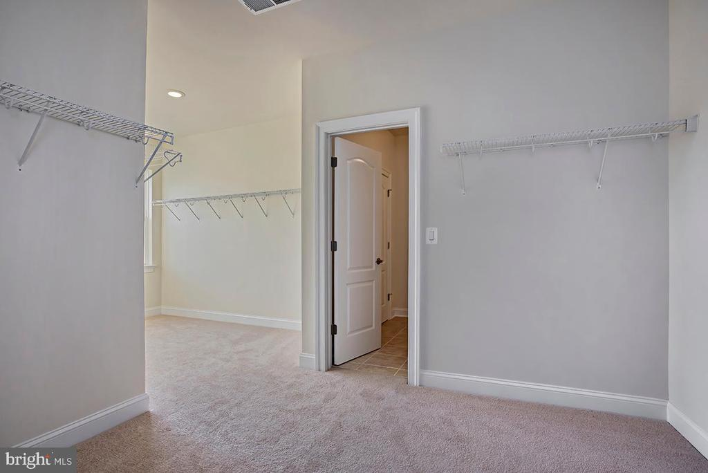Walk-in Closet - 126 PENNS CHARTER LN, STAFFORD