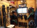 heated tack room w/ loft - 20775 AIRMONT RD, BLUEMONT