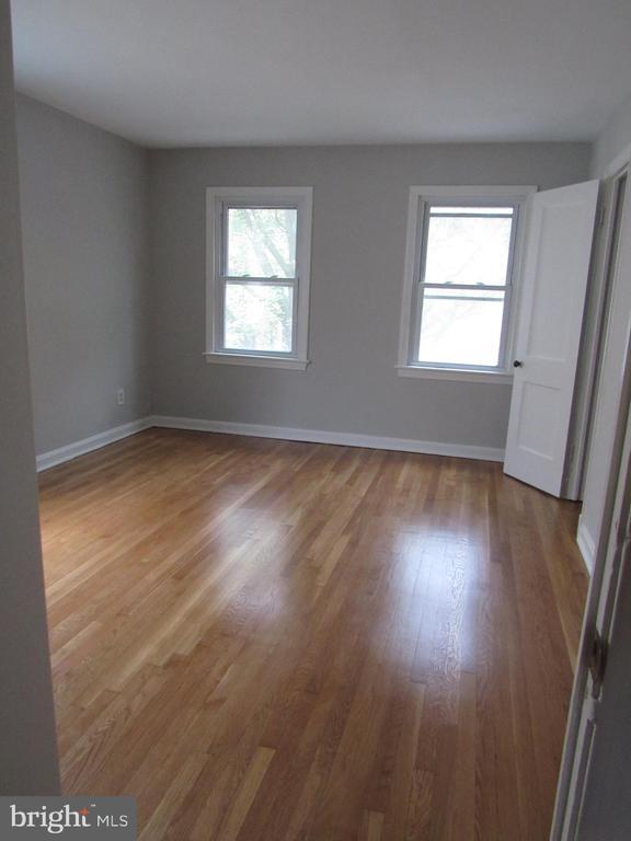 Upstairs master bedroom! - 3426 CROFFUT PL SE, WASHINGTON