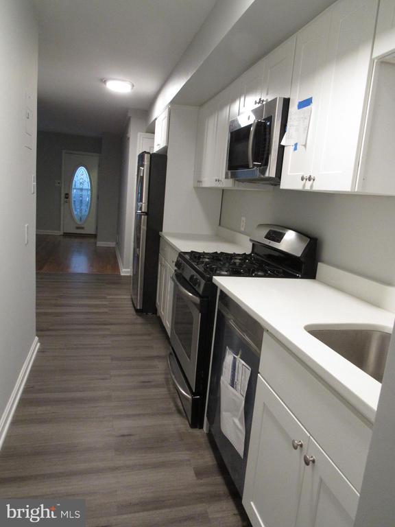 Great space in the deep refrigerator! - 3426 CROFFUT PL SE, WASHINGTON