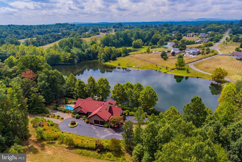 Single Family Homes pour l Vente à Rixeyville, Virginia 22737 États-Unis