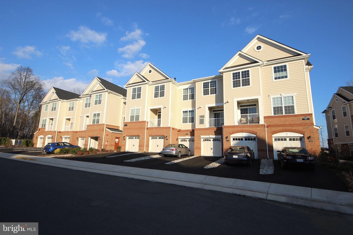 Photo of 23215 MILLTOWN KNOLL SQ #118, ASHBURN, VA 20148