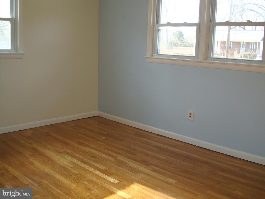 Master Bedroom - 5241 MONROE DR, SPRINGFIELD