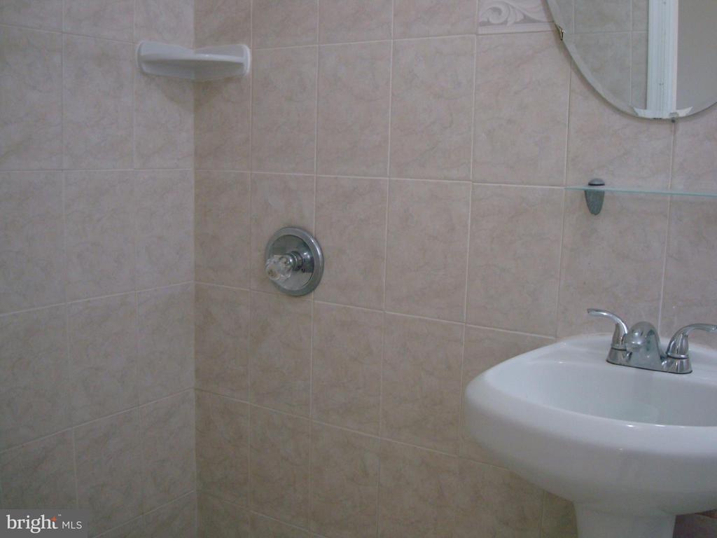 Bathroom 3 - 5241 MONROE DR, SPRINGFIELD