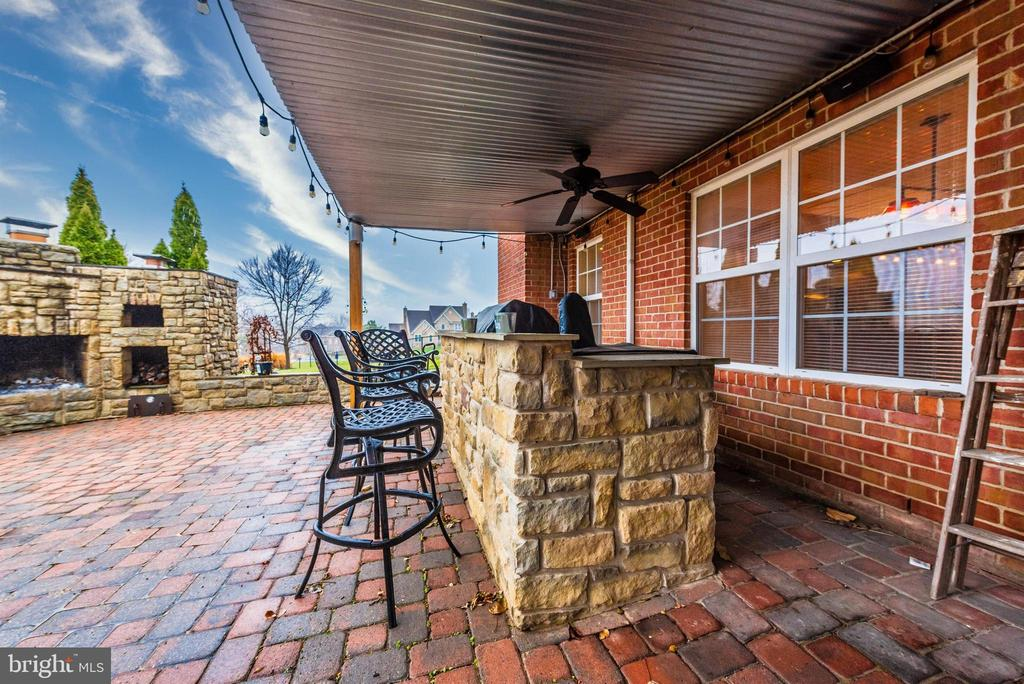 Outdoor Patio and Kitchen - 8400 RIVER MEADOW DR, FREDERICK