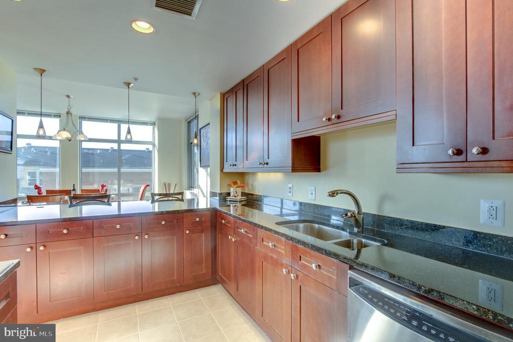 Kitchen - 11990 MARKET ST #413, RESTON