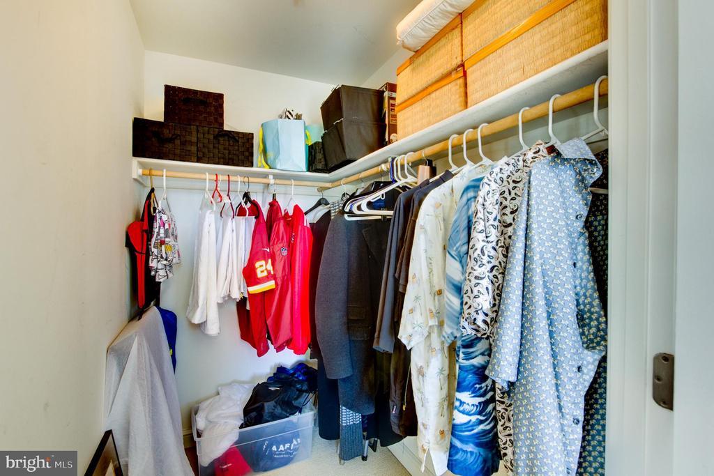 Walk in Closet - 11990 MARKET ST #413, RESTON