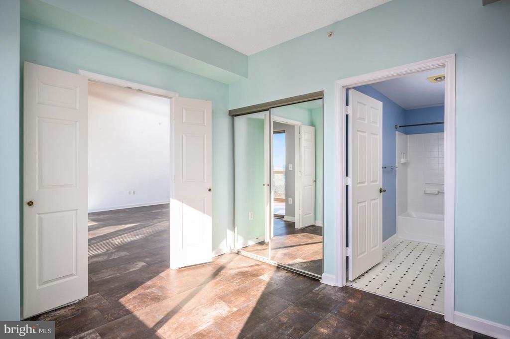 Second Bedroom - 19375 CYPRESS RIDGE TER #822, LEESBURG