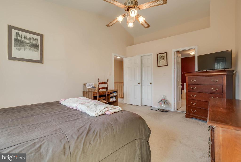 Master Bedroom - 827 BALLS BLUFF RD NE, LEESBURG