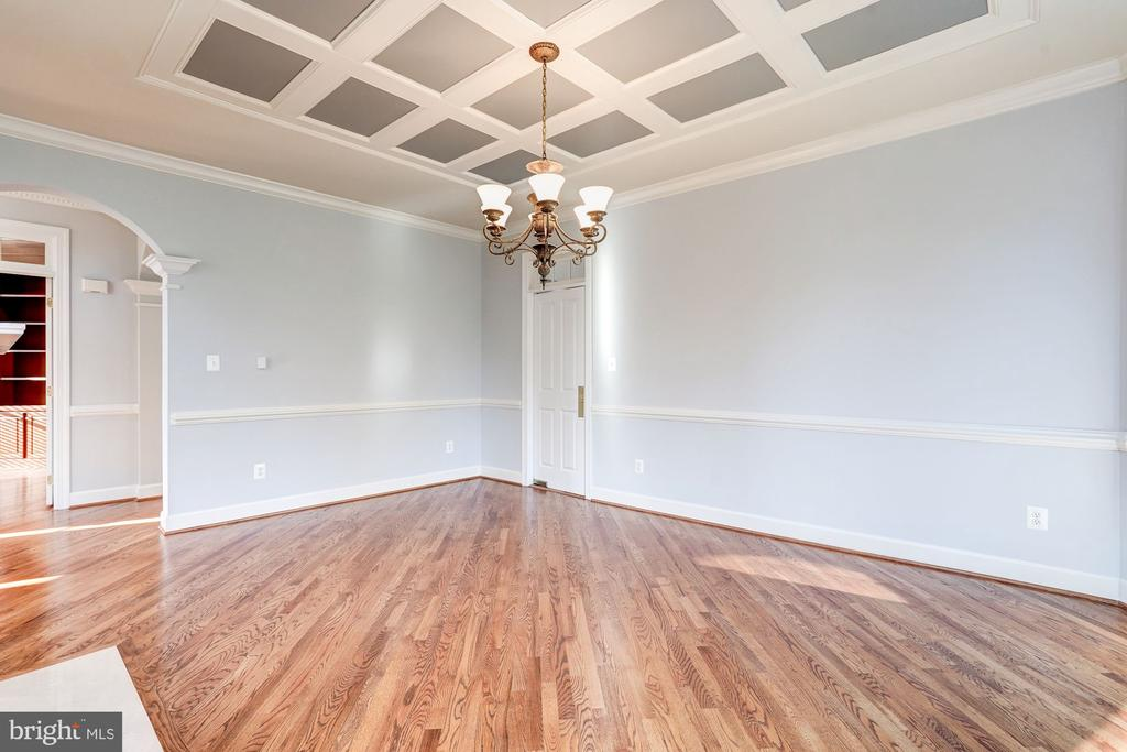 Banquet sized Dining Room - 1553 SHELFORD CT, VIENNA