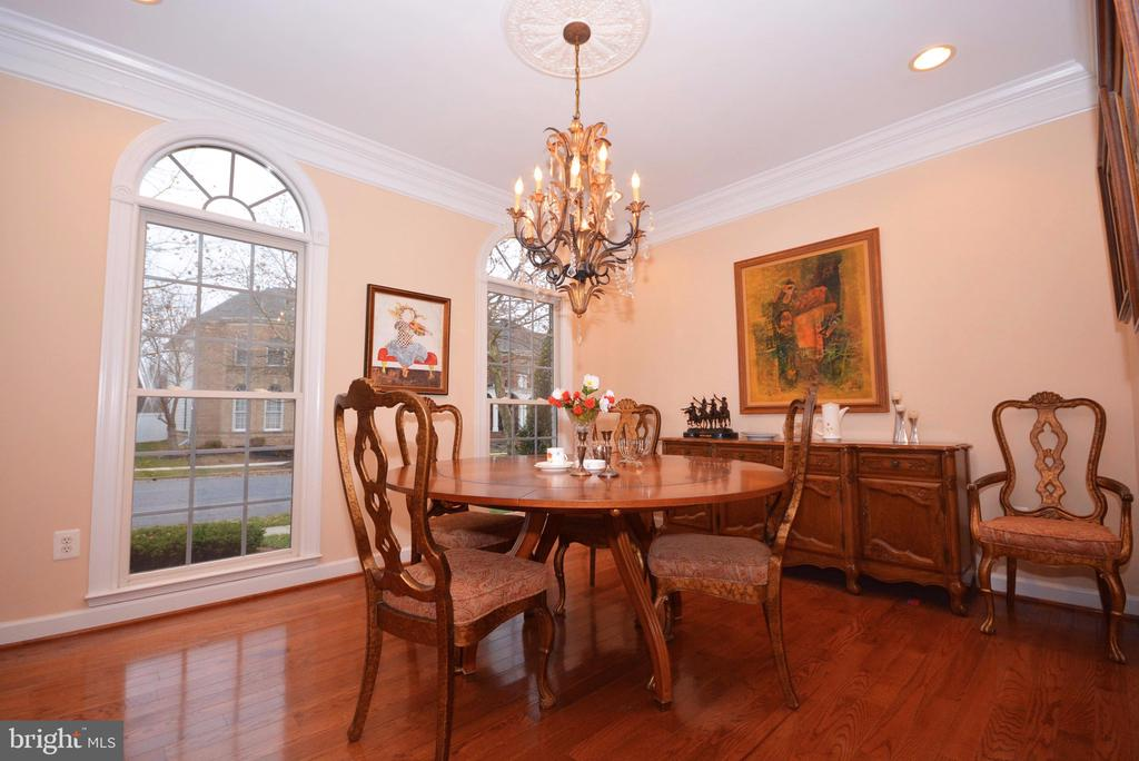 Lovely, spacious room for elegant dinner parties. - 702 PILOT HOUSE DR, ANNAPOLIS