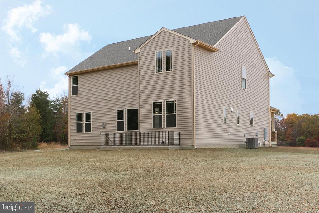 - 208 LIBERTY HALL DR, FREDERICKSBURG