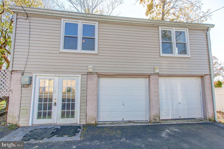 Duplex Homes 为 销售 在 埃尔金斯帕克, 宾夕法尼亚州 19027 美国