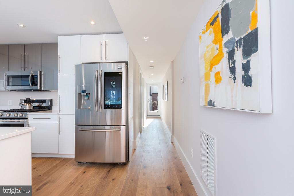 Kitchen w/ smart stainless steel appliances - 26 RHODE ISLAND AVE NW #2, WASHINGTON