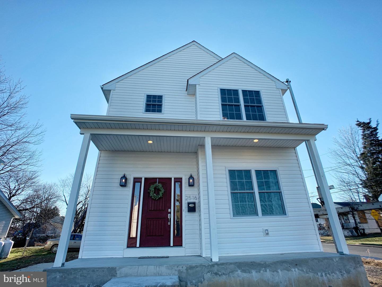 Single Family Homes para Venda às Willow Grove, Pensilvânia 19090 Estados Unidos