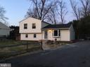 Front view, 5 to 6 parkings on driveway - 652 ALABAMA DR, HERNDON
