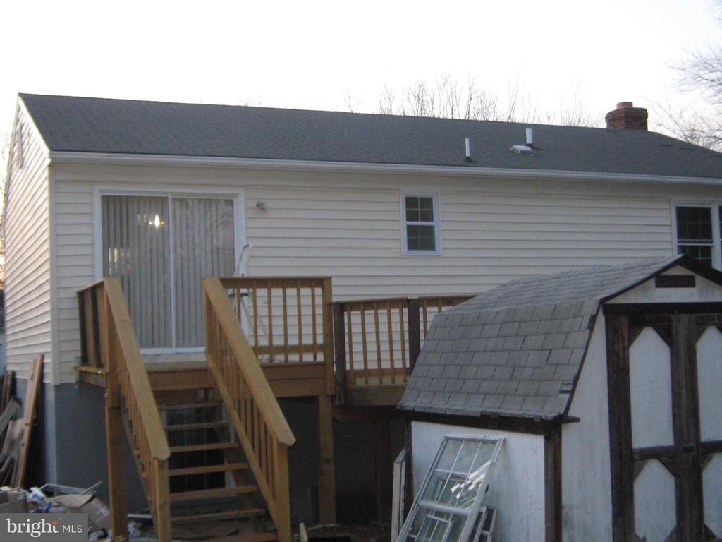 New rear deck and existing  shed - 78 VISTA WOODS RD, STAFFORD