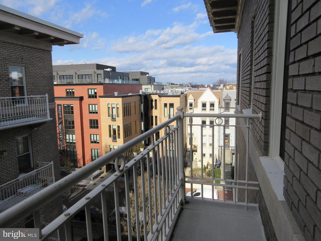 Master bedroom balcony - 1308 CLIFTON ST NW #401, WASHINGTON