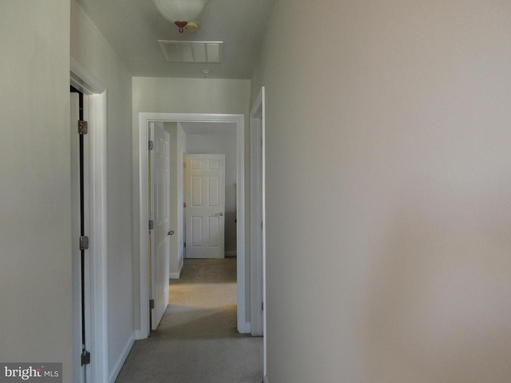 Upstairs hallway - 1308 CLIFTON ST NW #401, WASHINGTON