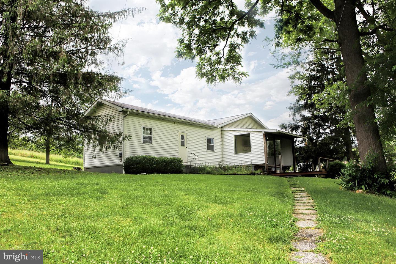 Single Family Homes για την Πώληση στο James Creek, Πενσιλβανια 16657 Ηνωμένες Πολιτείες