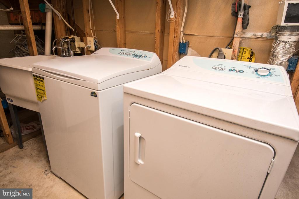 Laundry and storage room - 512 GINGER SQ NE, LEESBURG