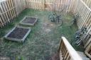 Raised garden beds - 512 GINGER SQ NE, LEESBURG