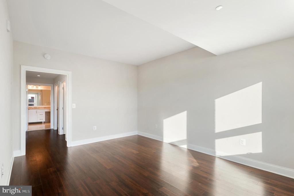 Master Bedroom - 4915 HAMPDEN LN #603, BETHESDA