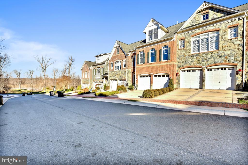 Down the street to the Potomac River - 18216 CYPRESS POINT TER, LEESBURG
