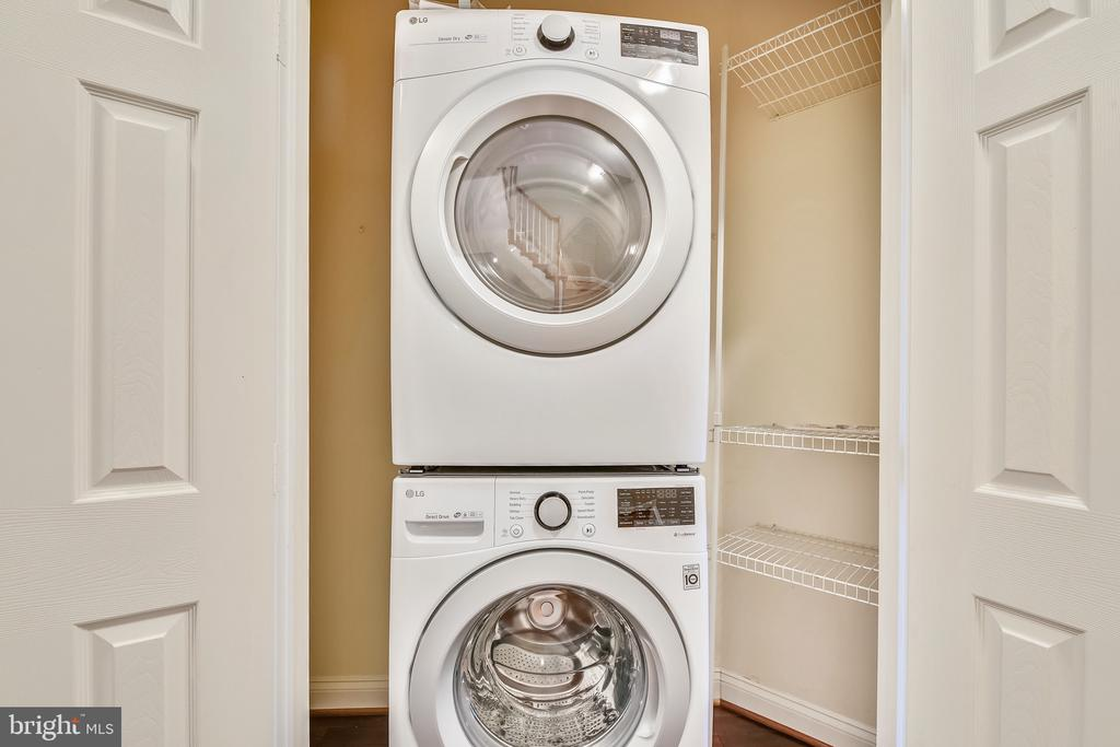 Bedroom Level Laundry - 18216 CYPRESS POINT TER, LEESBURG