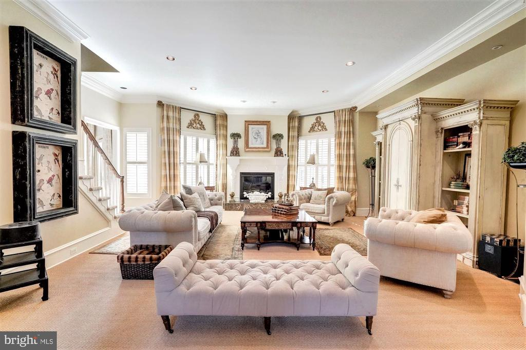 Family Room - 16717 WHIRLAWAY CT, LEESBURG
