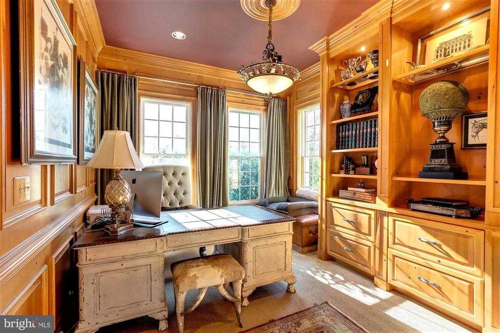 Study/Office - 16717 WHIRLAWAY CT, LEESBURG