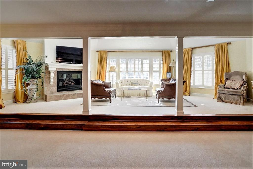 Master Bedroom Sitting Aread - 16717 WHIRLAWAY CT, LEESBURG