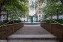 Entrance to courtyard - 900 N TAYLOR ST #1426, ARLINGTON